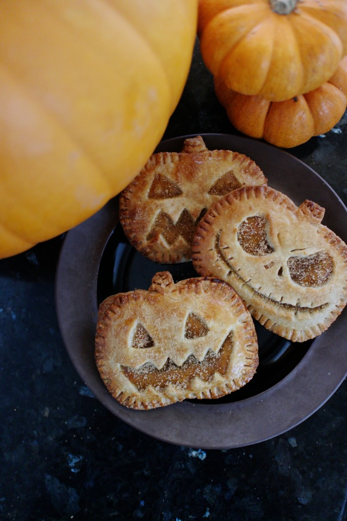 We've found 15 of the Best Pumpkin Shaped Foods and any of these fun sweet and savory recipes will look great on Halloween or Thanksgiving Dessert Table! These 15 yummy Thanksgiving Foods are all amazing and gorgeous Halloween treats. Pin these easy to make Thanksgiving Food Ideas for later and follow us for more Halloween Food Ideas.